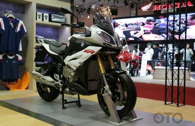 IMOS 2016: BMW Motorrad Bawa Dua Motor Adventure, Diskon Hingga Rp 40 Juta