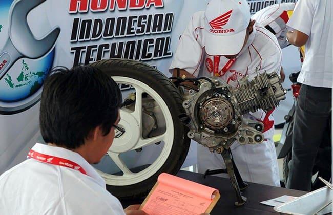 Duo Mekanik AHASS Bertarung Di Kontes Teknisi Level Asia Oceania