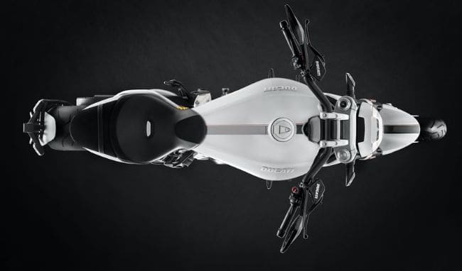 Ducati XDiavel S 2018, Berbalut Warna Putih