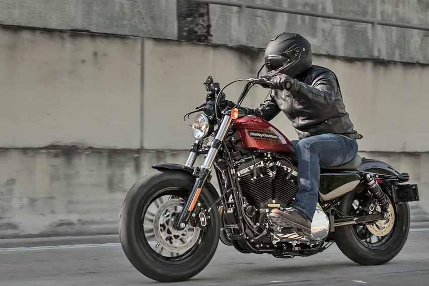 Dua Harley Davidson Sportster Bergaya Lawas Diluncurkan