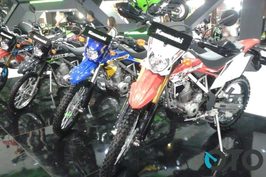 Kawasaki KLX 150 Tak Pakai Injeksi dan Radiator, Pantang Gentar Lawan Yamaha WR 155R