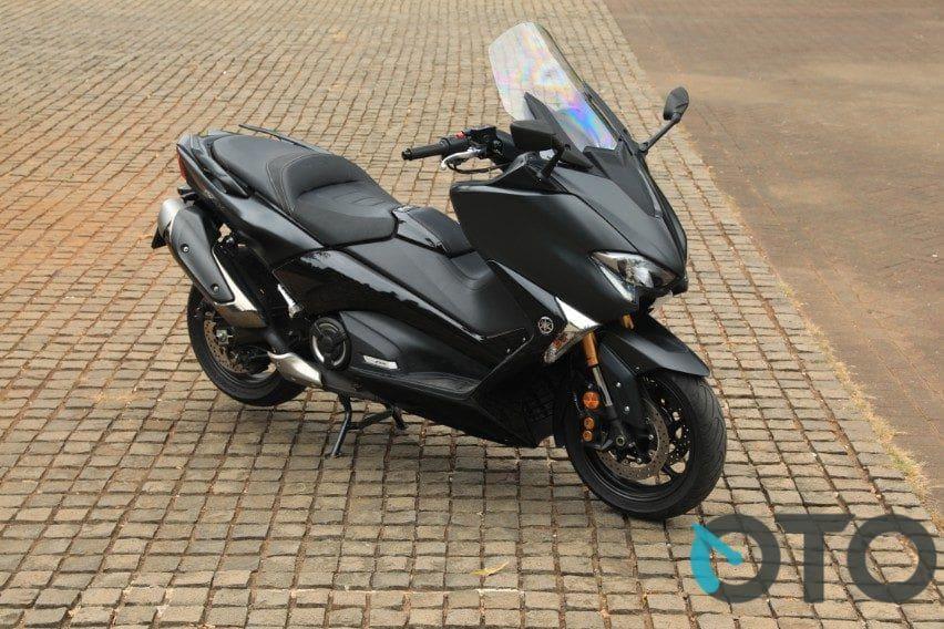 Cicilan Yamaha TMax DX Cuma Rp 5 jutaan, Bonus Helm Arai