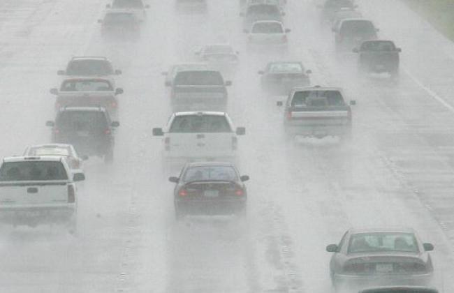 Manfaatkan Fitur Tersedia di Mobil, Bisa Menjadi Tameng Kala Musim Hujan