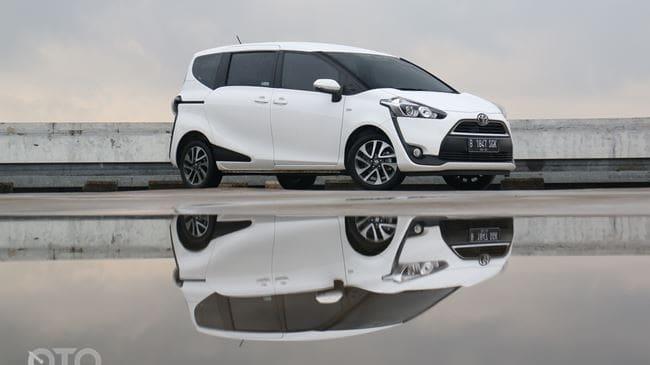 Toyota Sienta: Usaha Maksimal Manjakan Keluarga