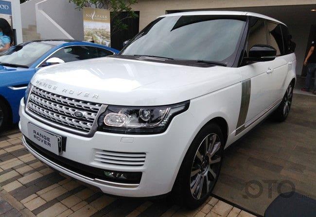 Range Rover 3.0 Vogue LWB, Tawarkan Kabin Lebih Lapang nan Mewah