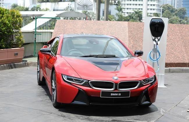 Hanya Satu Di Indonesia, BMW i8 Edisi Terbatas Diserahkan Ke Pemiliknya