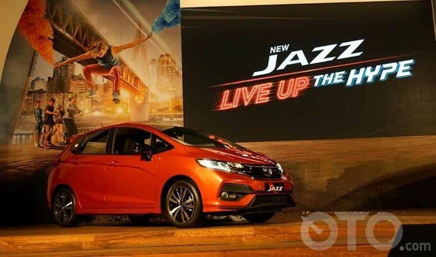 Alasan Lebih Pilih Honda Jazz Ketimbang Brio RS di Segmen Hatchback