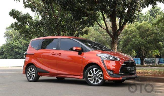Harga Toyota Sienta Bekas Masih Tinggi, Layak Dibeli?