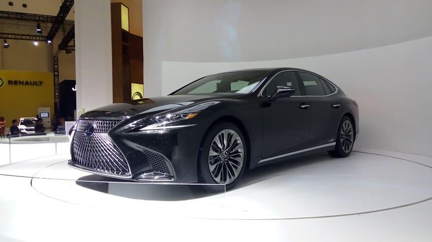 Lexus LS500 Dijual Sekitar Rp 3,5 Milyar