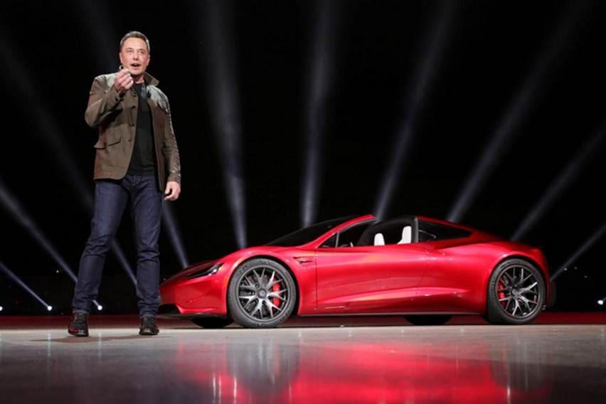 Tesla Roadster 2 Mobil Tercepat Di Dunia Kalahkan Bugatti Chiron