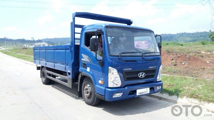 Mencoba Performa Truk Hyundai Xcient dan Mighty