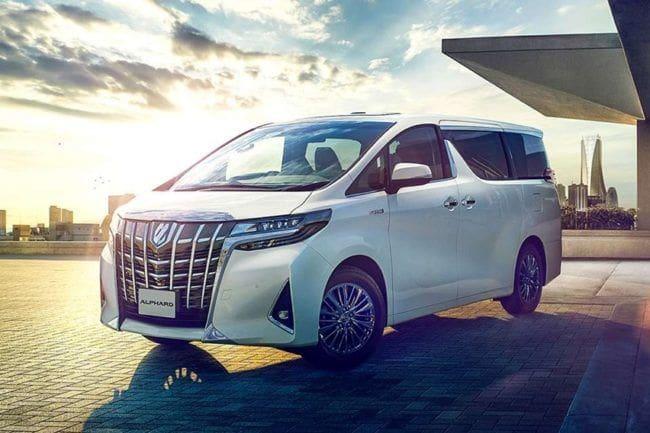 Mengenal Toyota Alphard, Raja MPV Mewah di Jalur Mudik