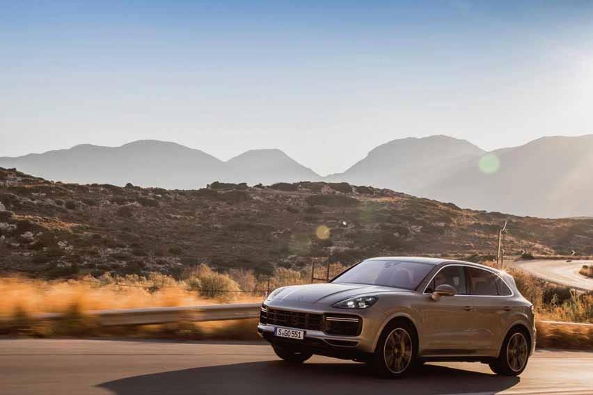 Porsche Cayenne Terbaru, Mobil Sport Dalam Tubuh SUV