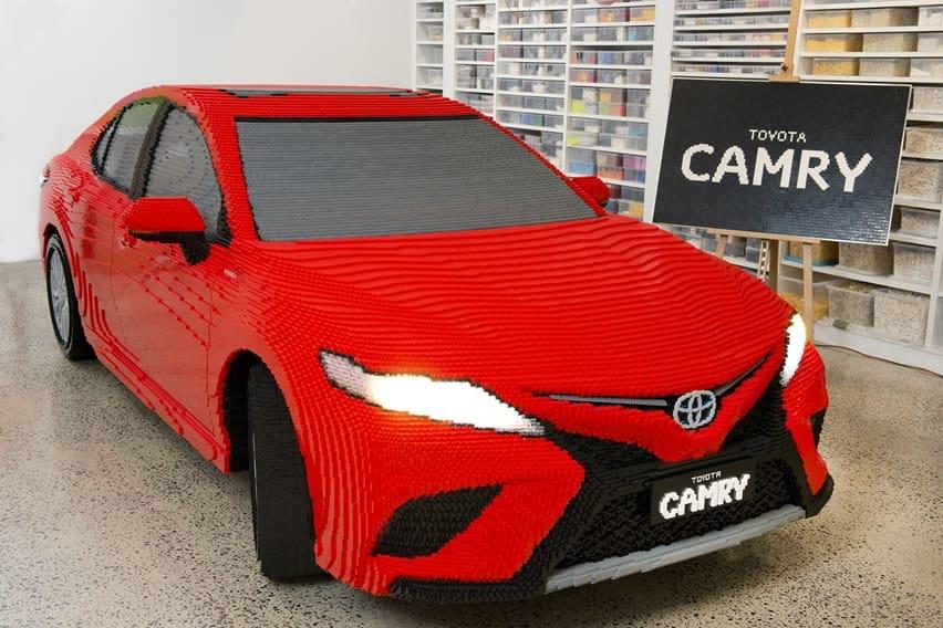 Toyota Camry Ini Terbuat dari 500 ribu Keping Lego