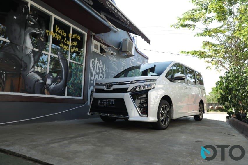 Toyota Voxy Pantas Dibeli, Kenapa?