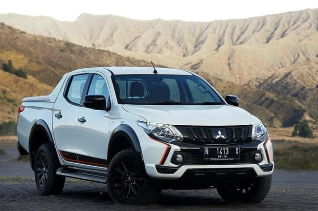 Mitsubishi Triton Athlete Tapaki Terjalnya Gunung Bromo