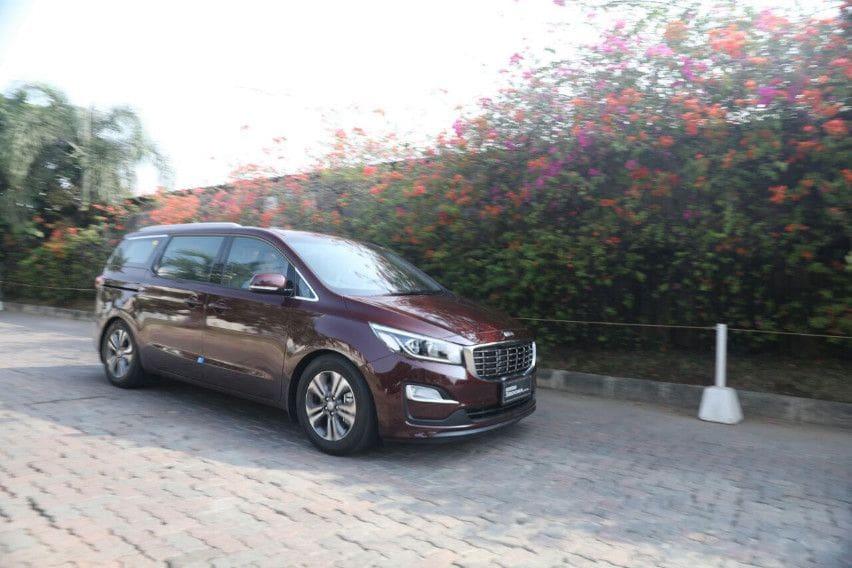 First Drive Kia Grand Sedona Diesel: MPV Nyaman Penyuka Diesel
