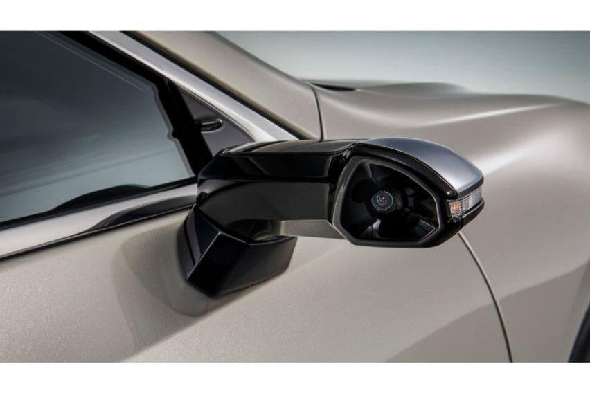 Canggih, Lexus ES Tanpa Kaca Spion Samping