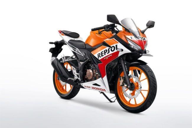 Membandingkan Mesin Honda CBR150R dan Yamaha R15