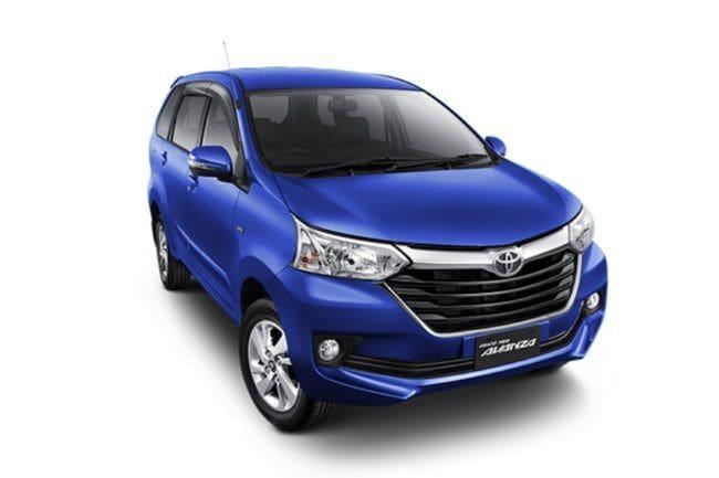 Mending Toyota Calya Baru atau Avanza Bekas 2017?