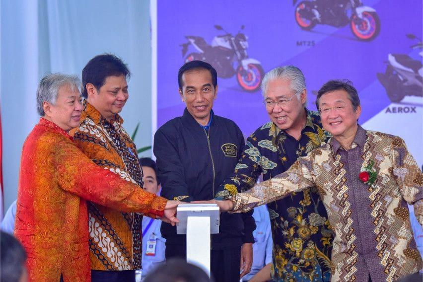 Jokowi Rayakan Rekor Ekspor Yamaha di Pabrik Pulo Gadung