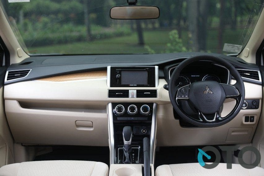 interior xpander ultimate