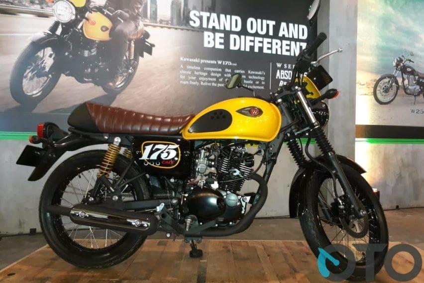 Naked Bike Berdesain Unik, Kawasaki W175 atau Yamaha MT-15?