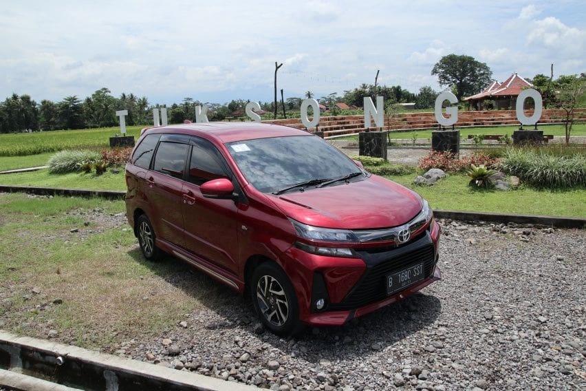 5 Alasan Pilih Toyota Avanza Ketimbang Honda Mobilio Baru