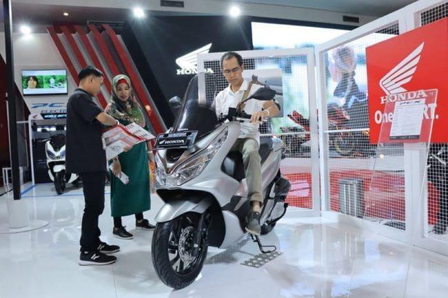 Terjual 550 Unit, Honda PCX Paling Laku Selama IIMS 2019