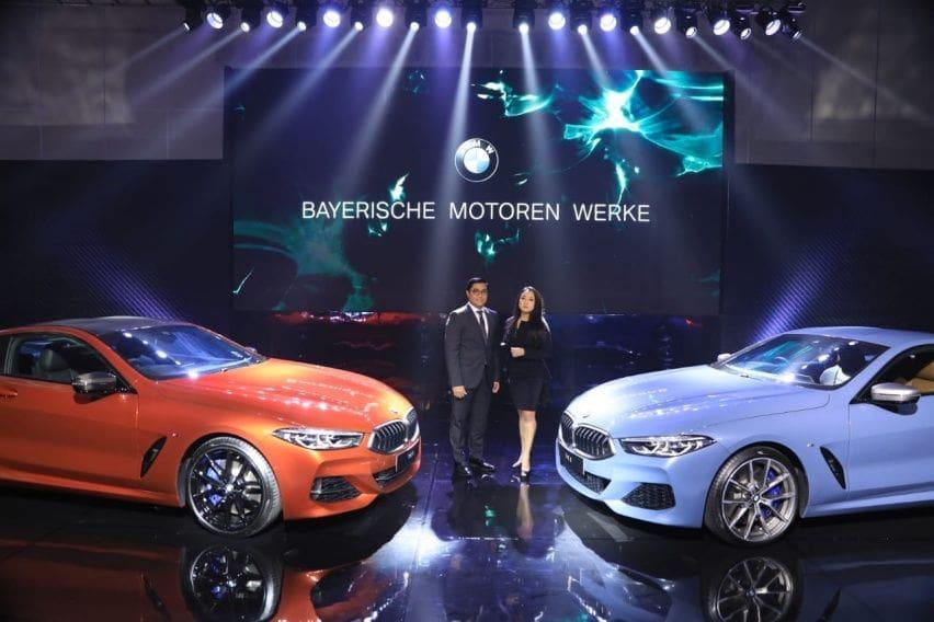Kenali Perbedaan BMW 8 Series Coupe dan M Carbon