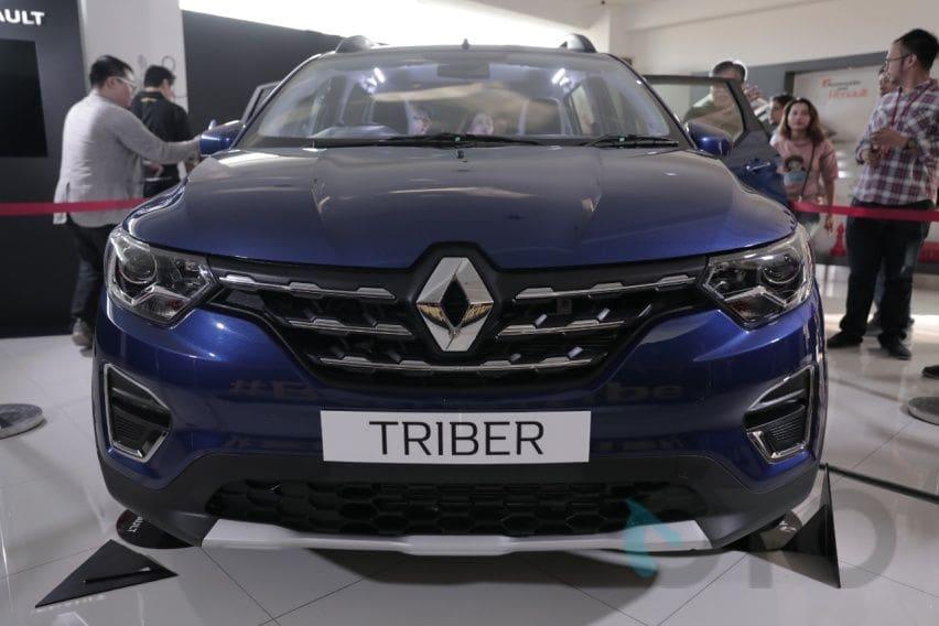 Perbandingan Fitur Renault Triber dan Daihatsu Sigra Termurah