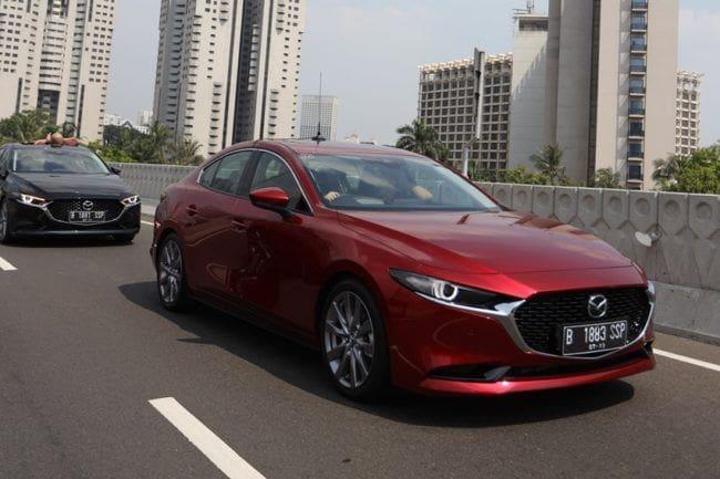 Terbukti Keelokan Mazda3 Mampu Memikat Wanita