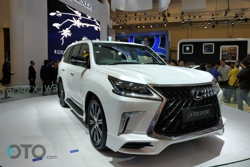 GIIAS 2019: Lexus Luncurkan LX 570 Sport dan ES 250 Ultra Luxury