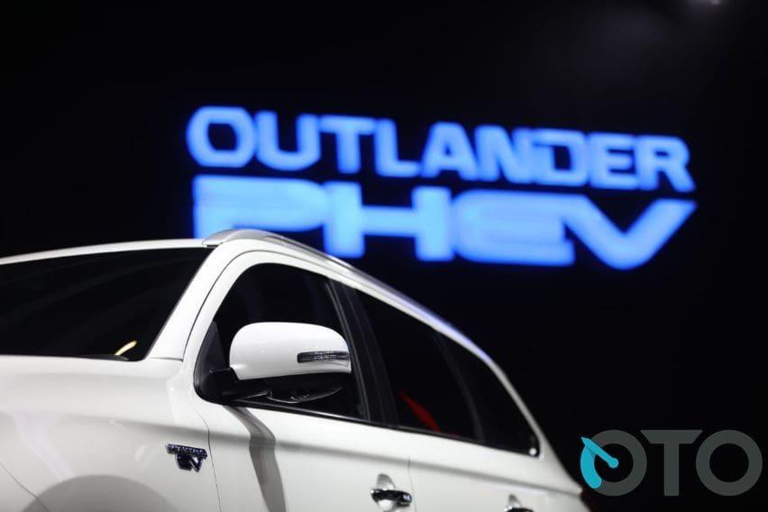 GIIAS 2019: Pajak Mobil Listrik Baru, Harga Mitsubishi Outlander PHEV Berpotensi Turun?