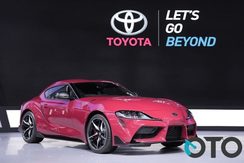 Platform Sama, Pilih Toyota GR Supra atau BMW Z4 Terbaru?