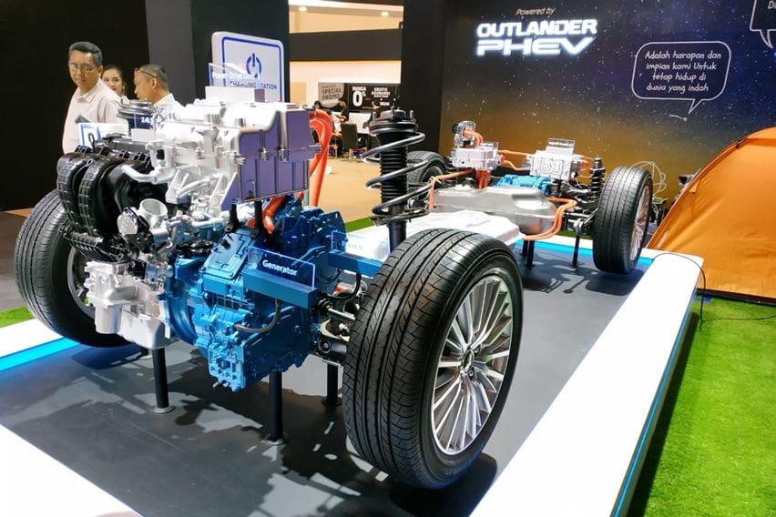 sistem hybrid dan listrik Outlander PHEV