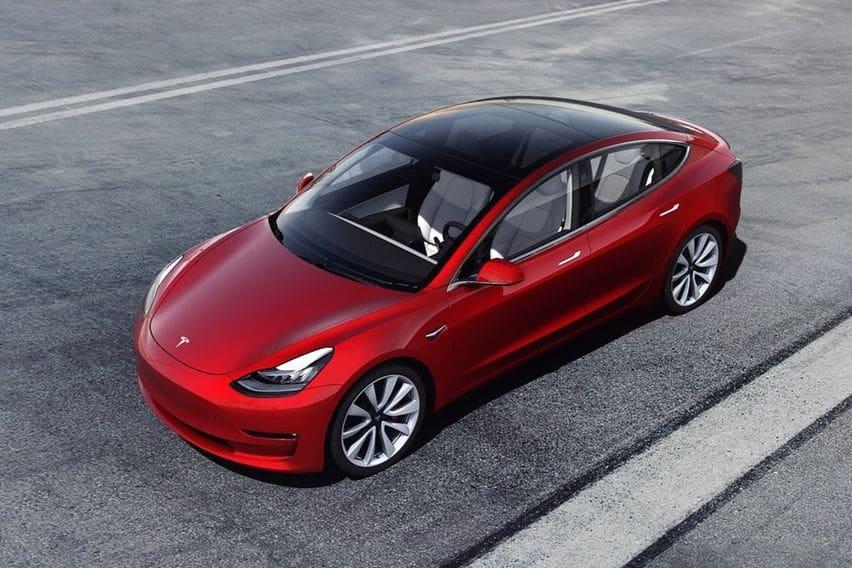 Canggihnya Mobil Listrik Tesla Model 3 Yang Ramai Dibeli Seleb