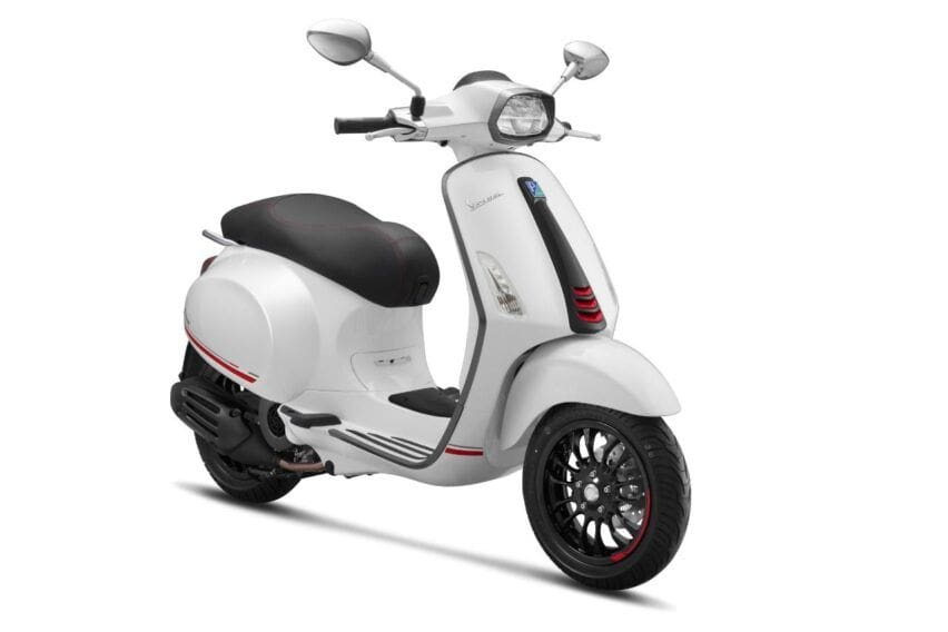 Vespa sprint white