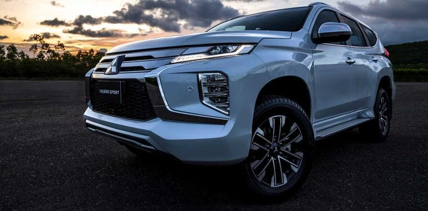 2020 Mitsubishi Montero Sport front