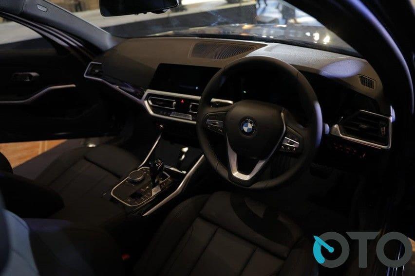 kabin BMW 320i