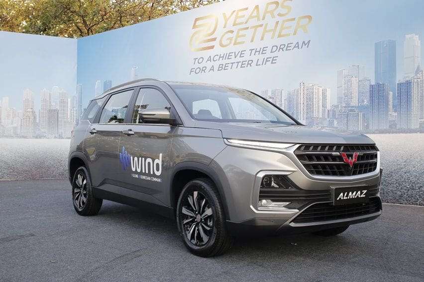 Wuling Almaz Raih Forwot Car of the Year 2019