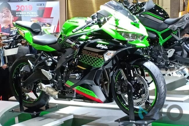 Catat! Cuma Warga yang Punya KTP Daerah Ini yang Bisa Beli Kawasaki Ninja ZX-25R?