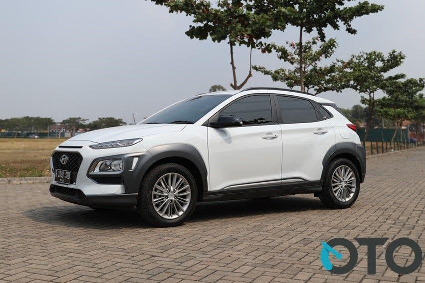 Hyundai Kona putih