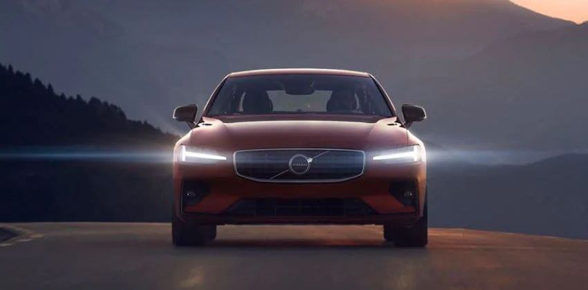 2019 Volvo S60  front