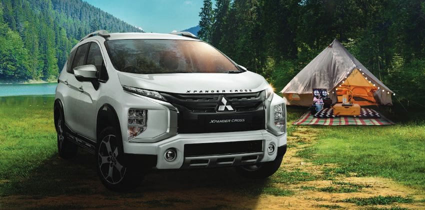 2020 Xpander Cross front