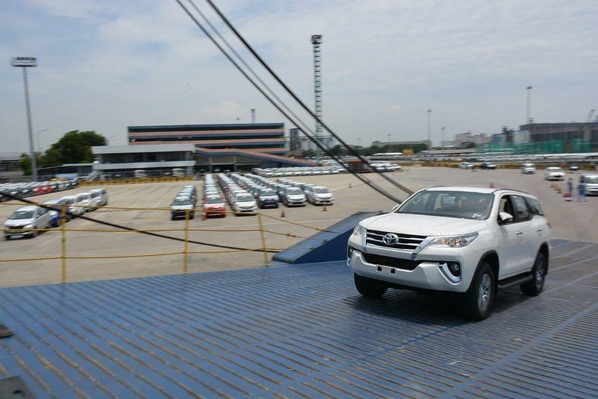 Ekspor Toyota Fortuner