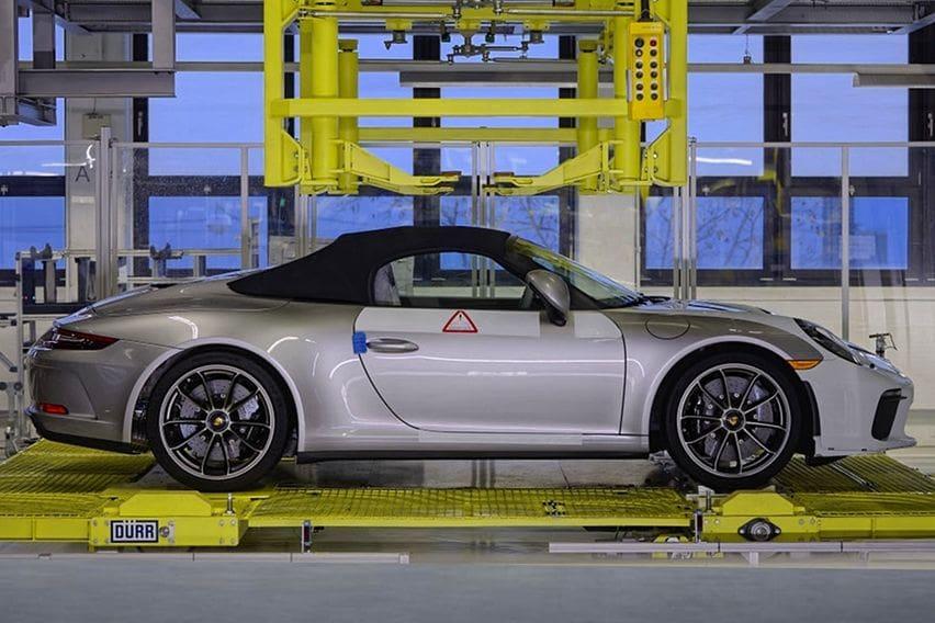 Penutup Generasi 991 Porsche 911 Keluar dari Lantai Pabrik, Era 992 Dimulai