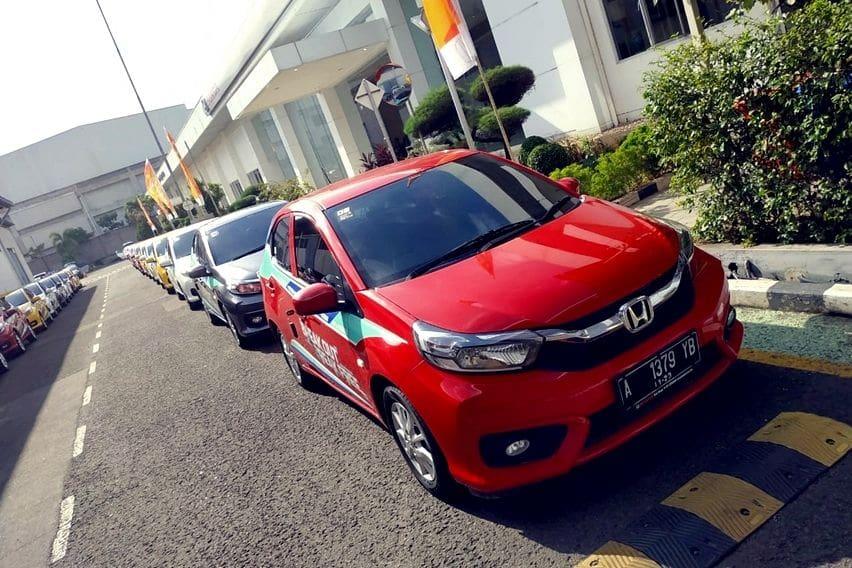Sedang Cari Hatchback Irit Bensin, Ambil Honda Brio RS atau Satya E CVT?