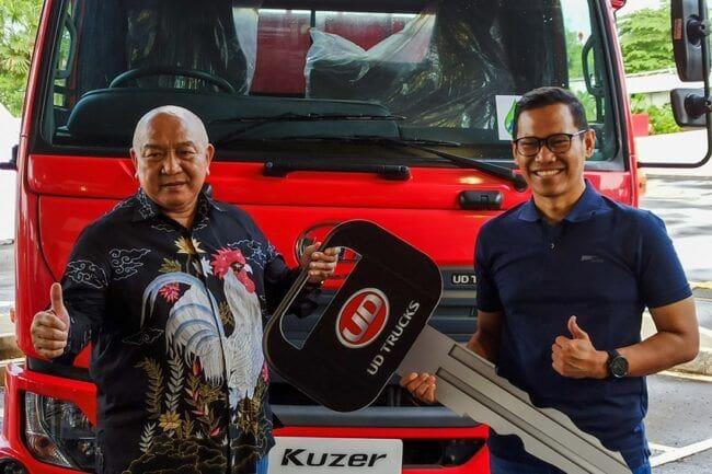 Astra UD Trucks Serahkan Kuzer RKE 150 kepada PT JBL