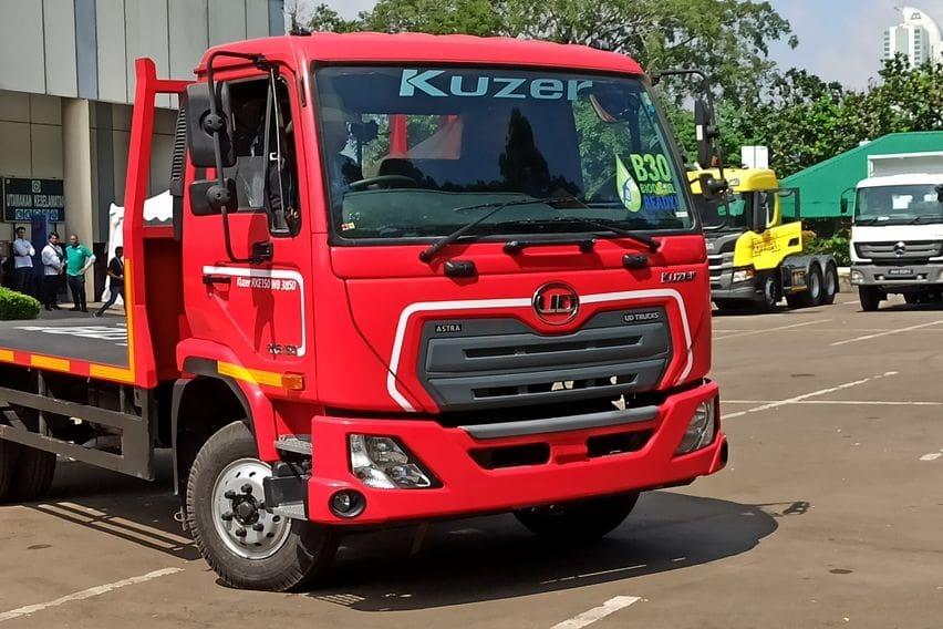 UD Trucks Kuzer RKE 150 flatbed
